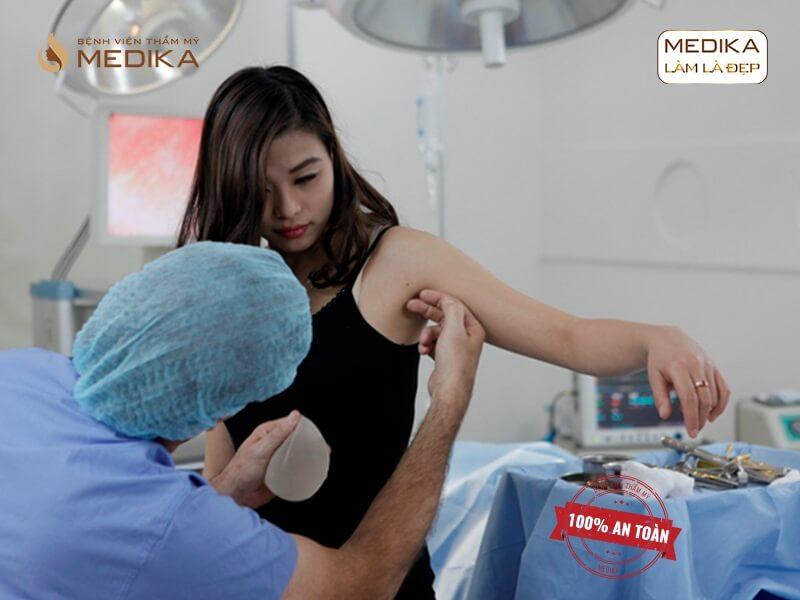 Bật mí bí quyết để nâng ngực nội soi đạt kết quả như mong muốn - kienthucnangnguc.vn